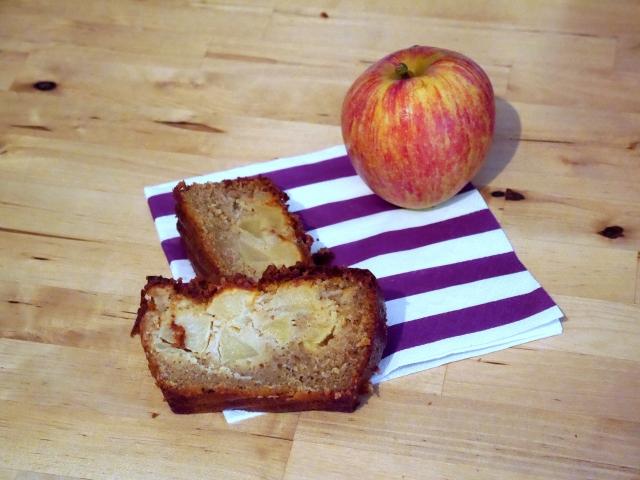 Gâteau aux pommes et à la cannelle - Espelette et Chocolat