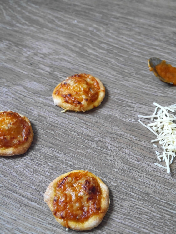 Mini-Pizza apéritives - Espelette et Chocolat - https://espeletteetchocolat.wordpress.com