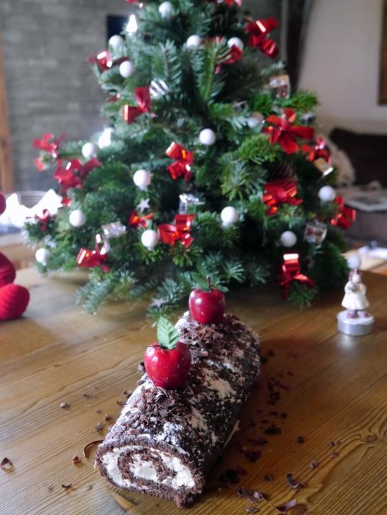 Bûche chocolat, mascarpone, poire, confiture de lait - Espelette et Chocolat - http://espeletteetchocolat.wordpress.com